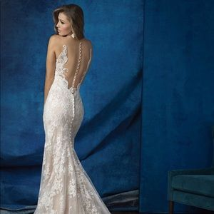 Brand new with tags Allure Bridals wedding dress